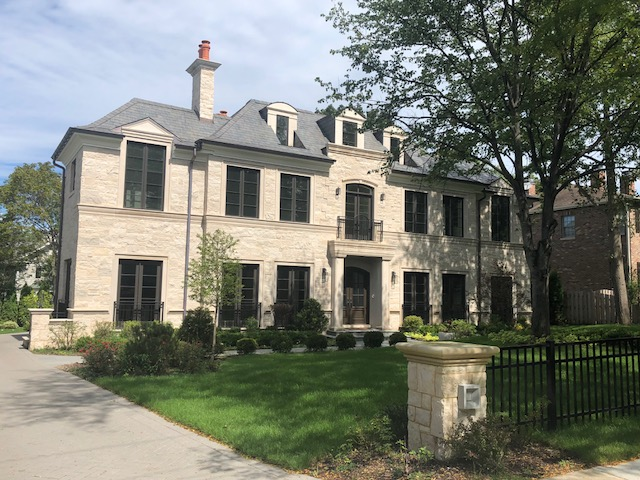 old style mansion in a subruban chicago city